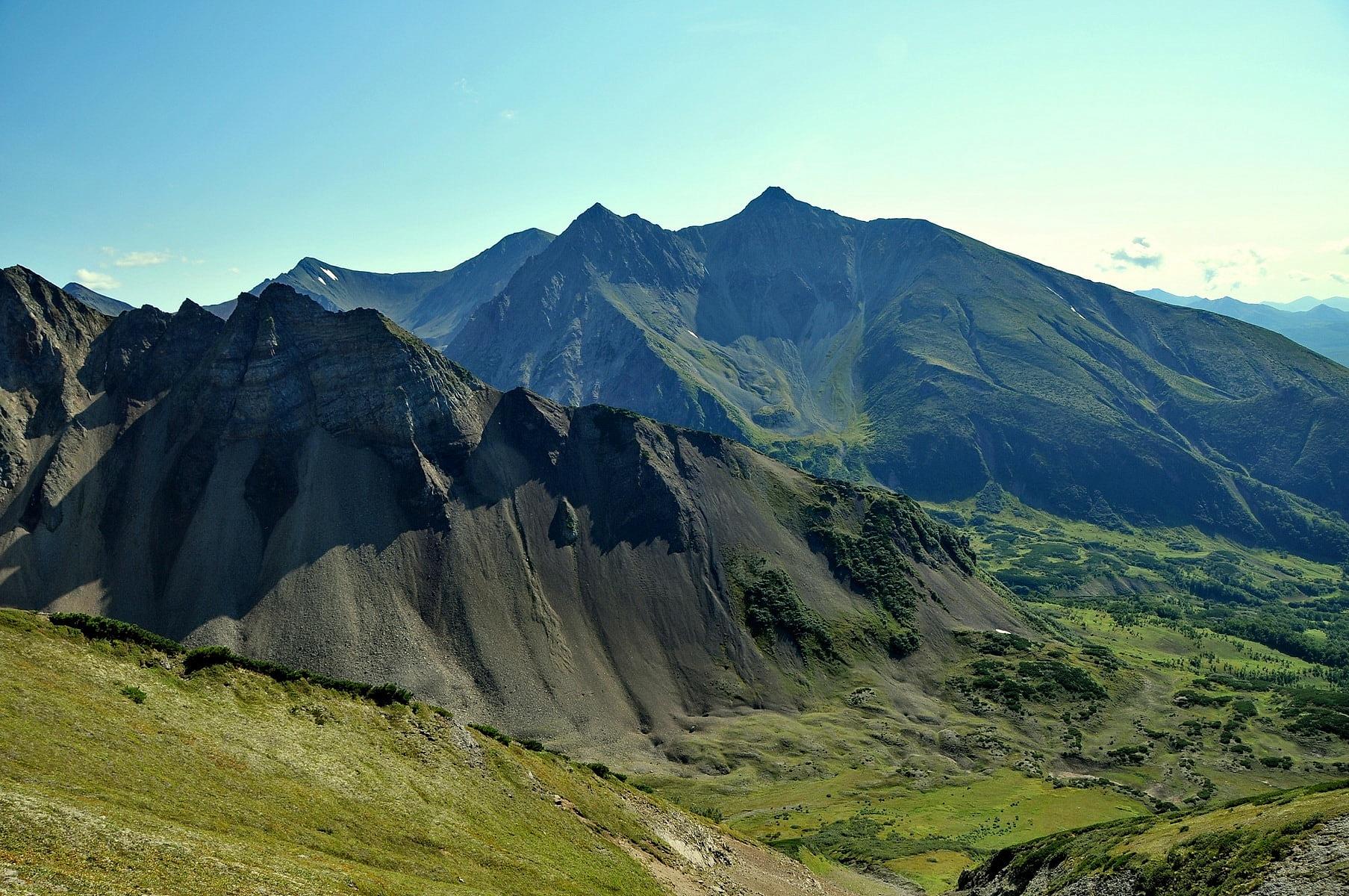 Mountain massif Vachkazhets