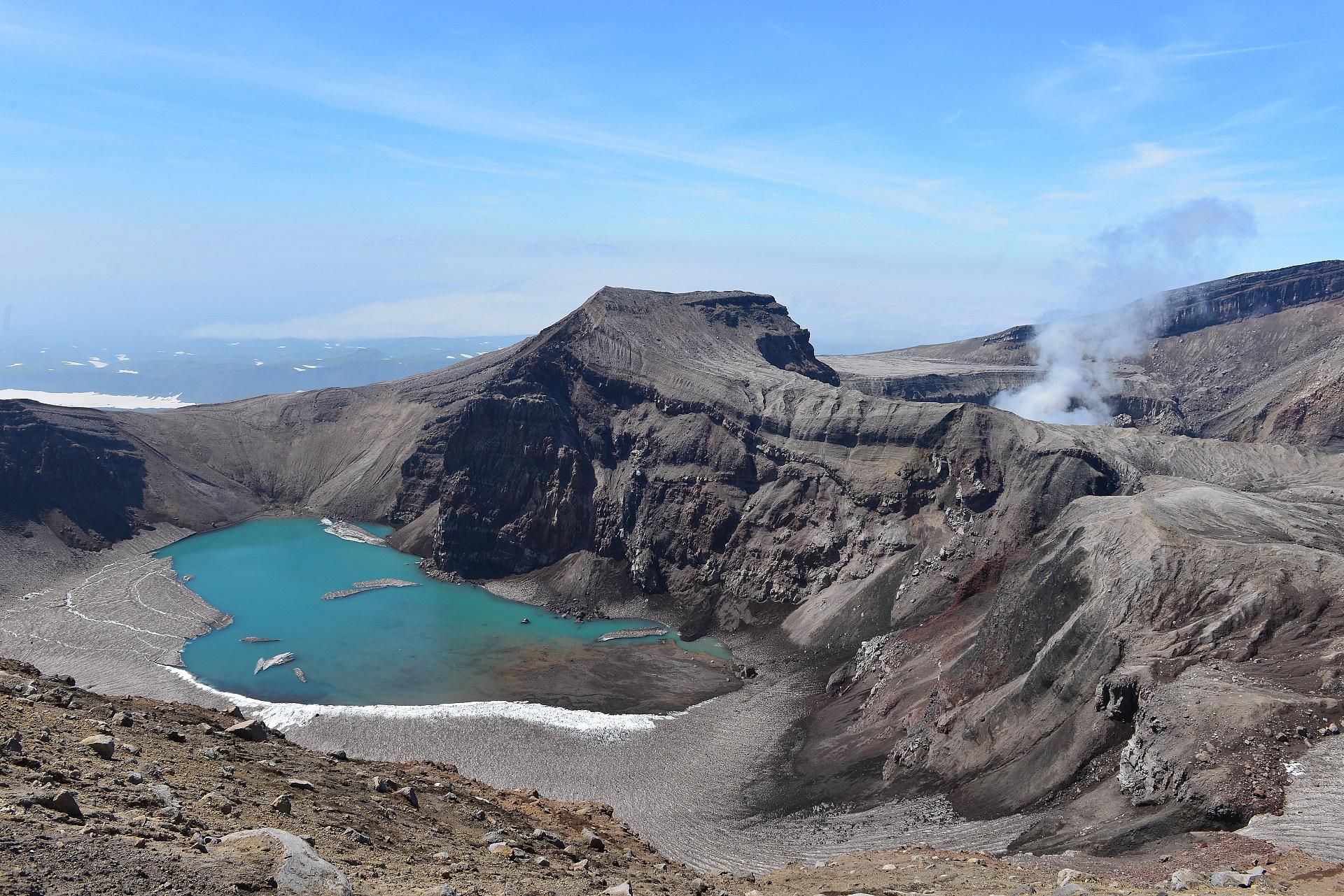 Горелый вулкан